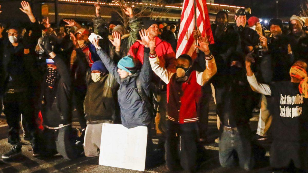 """Activistas estadounidenses condenan fallo en Ferguson: """"No nos detendrá"""""""