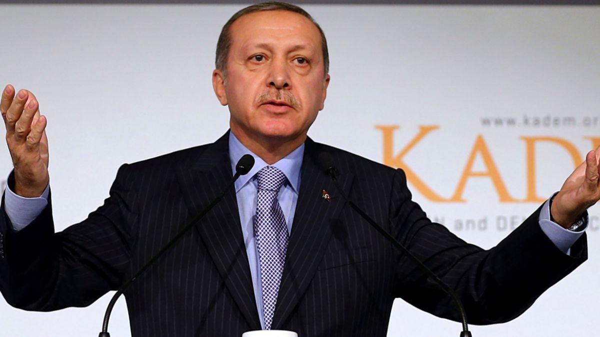 """Presidente de Turquía: """"No puedes poner a hombres y mujeres en posiciones iguales"""""""