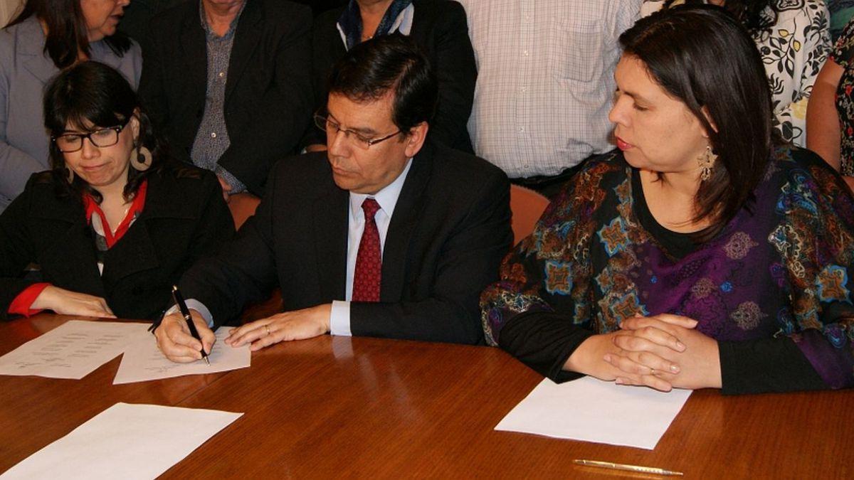 Reajuste sector público: Los 10 puntos del acuerdo suscrito entre el Gobierno y la CUT