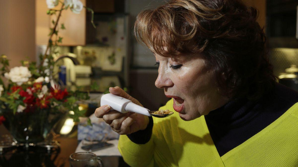 Google comienza a vender cuchara especial para enfermos de Parkinson