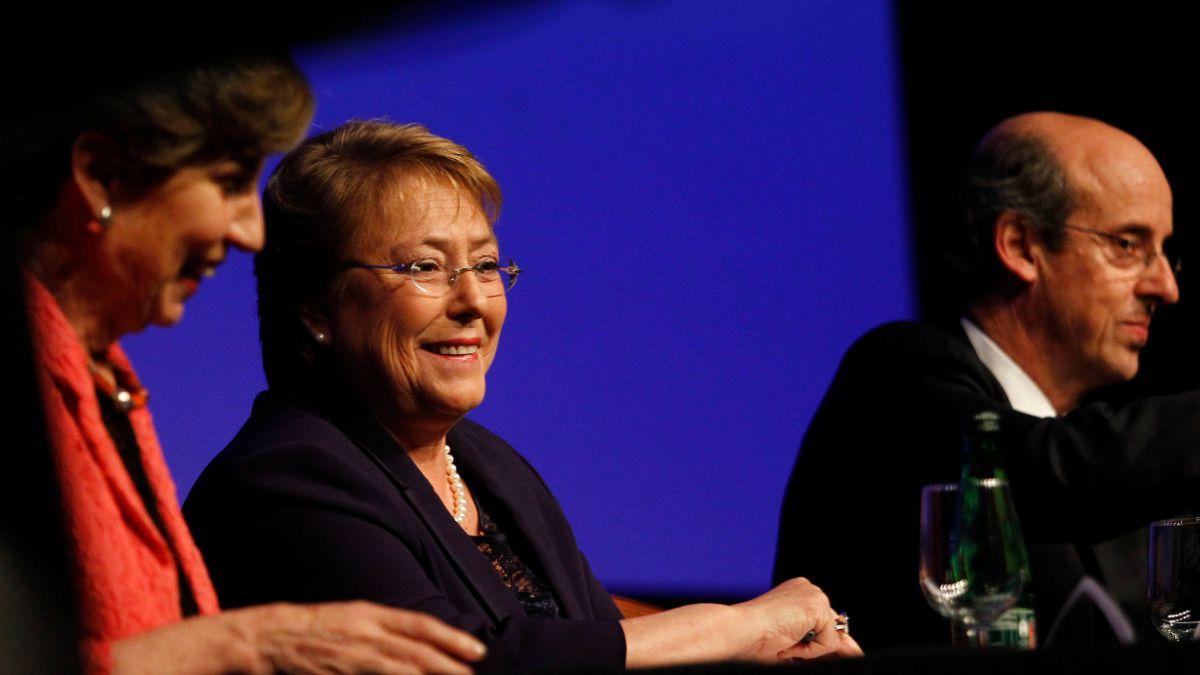 Bachelet en Enade: La desaceleración no es producto de las reformas