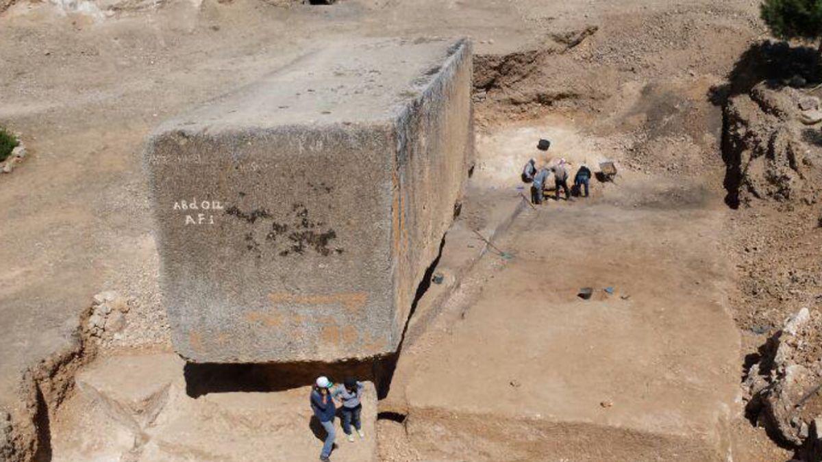 Descubren el bloque de piedra antiguo más grande del mundo