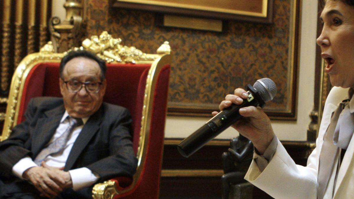 Política, cine y literatura: Las facetas desconocidas de Chespirito