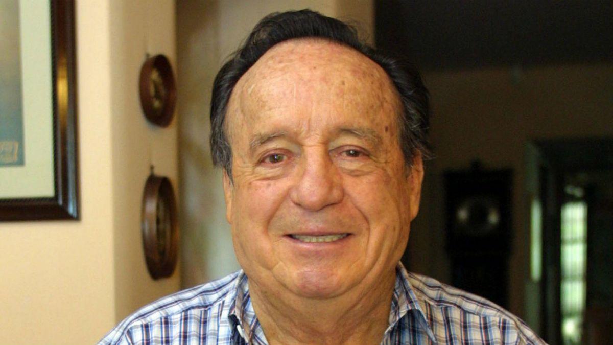 Embajada mexicana abre libro de condolencias online para despedir a Chespirito