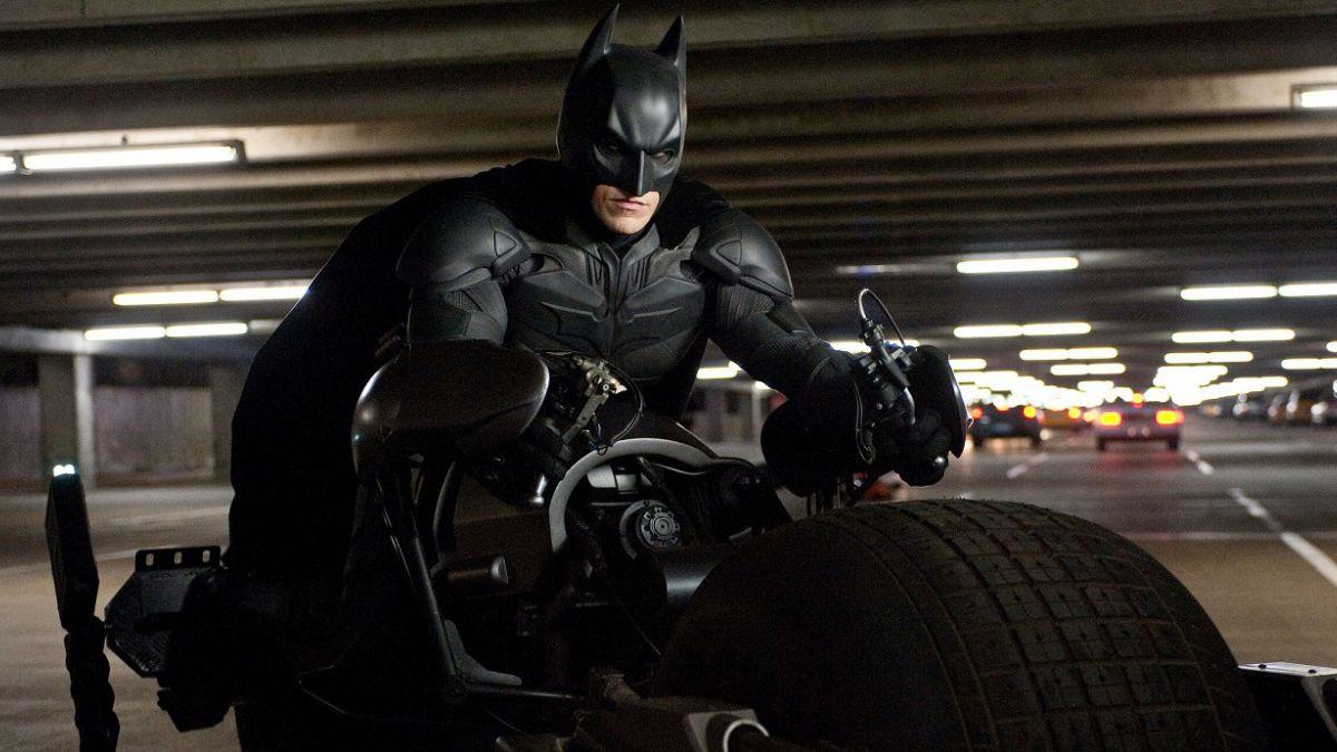 """Christopher Nolan criticado: Afirman que su trilogía de Batman es """"superficial y mal escrita"""""""