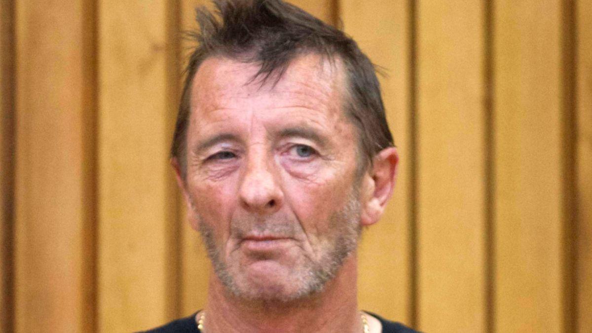 Baterista de AC/DC se declara inocente