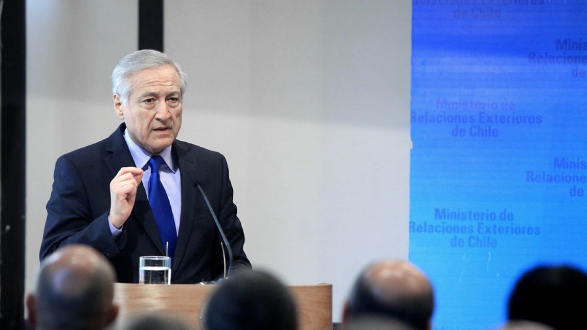 Canciller y críticas de Piñera por La Haya: Vamos a segur trabajando con él y otros ex presidentes