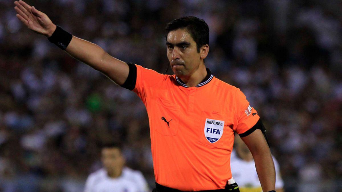Carlos Ulloa dirigirá a la U frente a Calera y Eduardo Gamboa a Colo Colo ante Wanderers