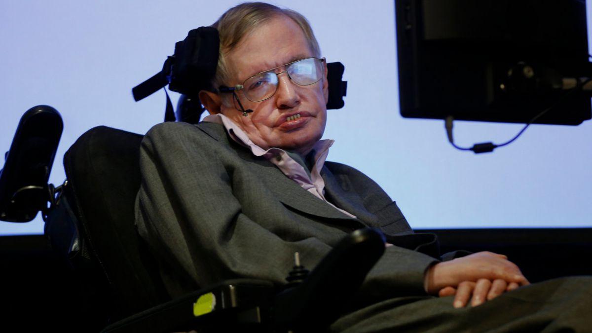Stephen Hawking habló de los agujeros negros