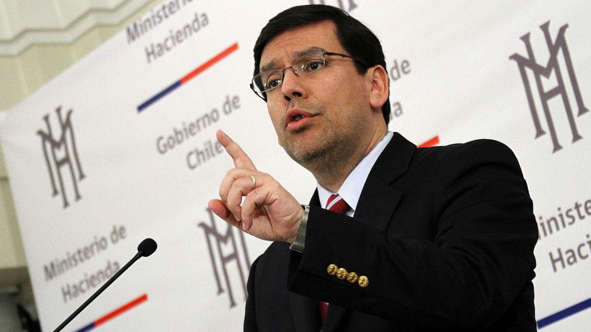 Arenas dice que Chile tiene cuatro motores para sortear desaceleración