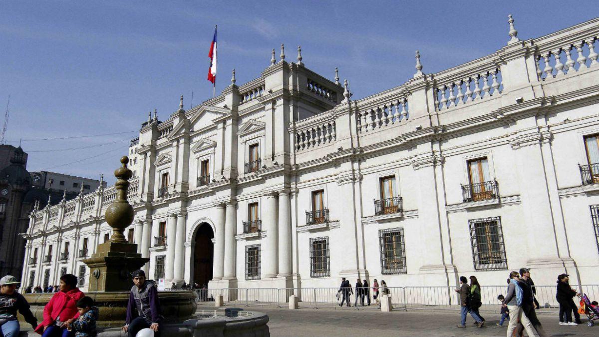 CEP: Aprobación a Bachelet cae 12 puntos y se ubica en 38%