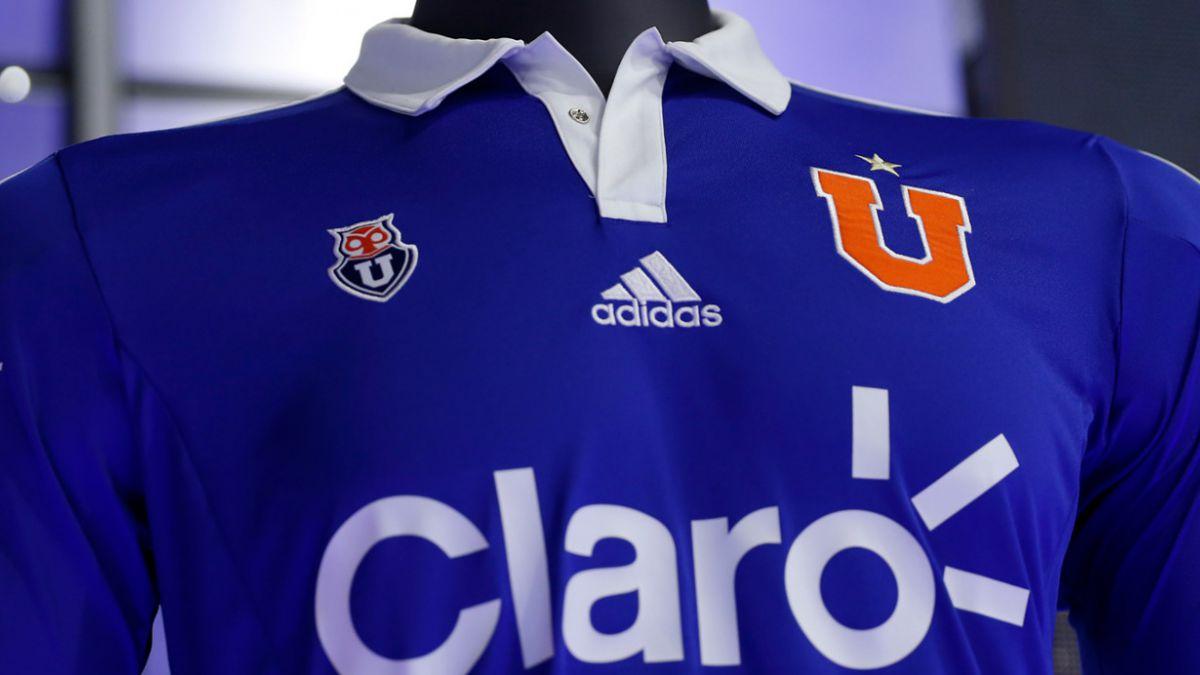 [FOTOS] Universidad de Chile presenta oficialmente su nueva camiseta