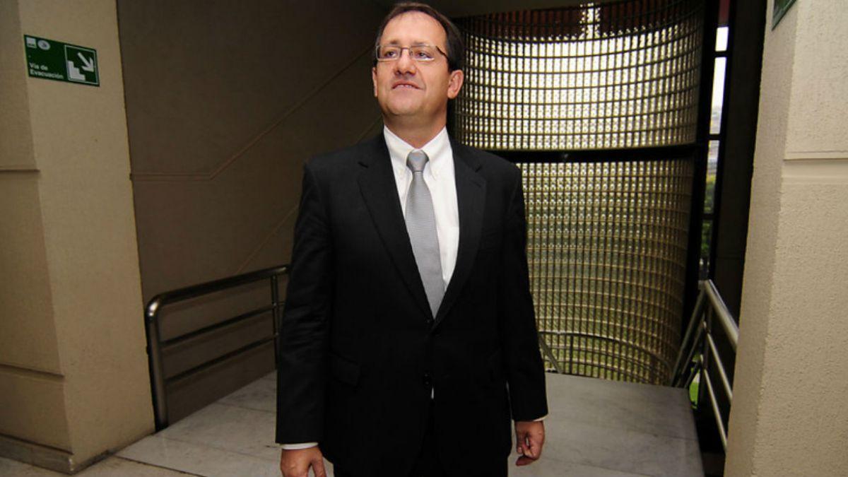 Harald Beyer (CEP): La clase media dio sus votos a Bachelet, ahora se los está quitando