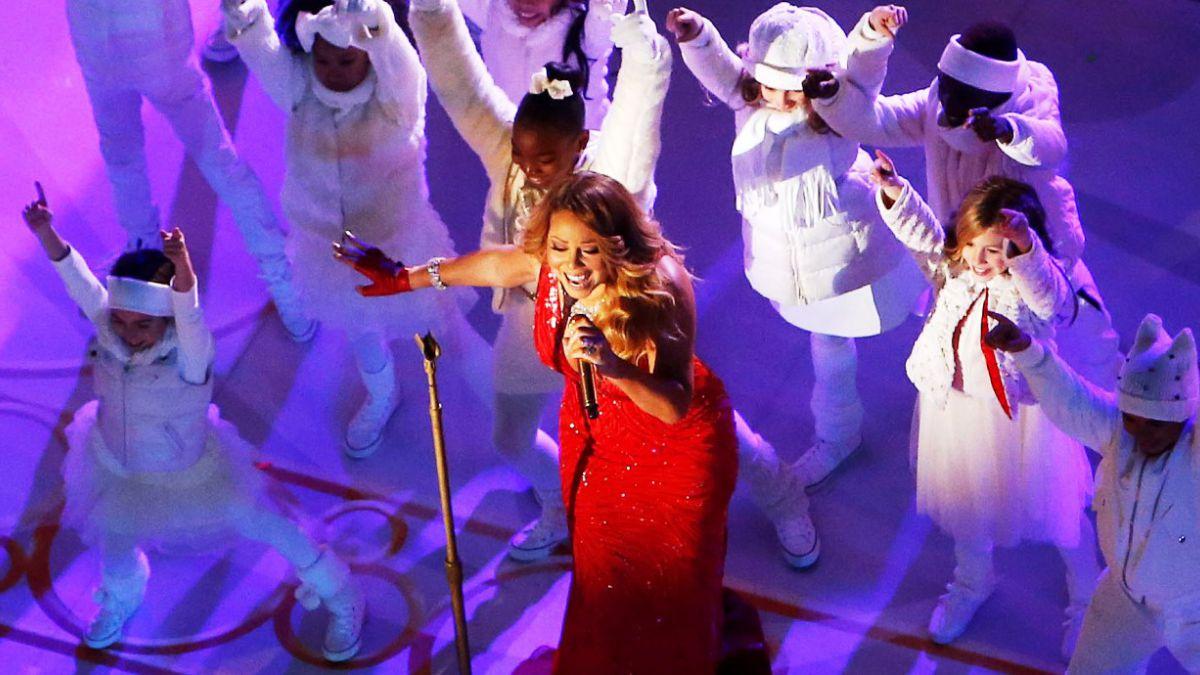 [VIDEO] Esta es la presentación navideña por la que Mariah Carey es cuestionada