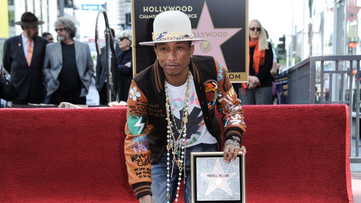 Pharrell recibe su propia estrella en el Paseo de la Fama de Hollywood