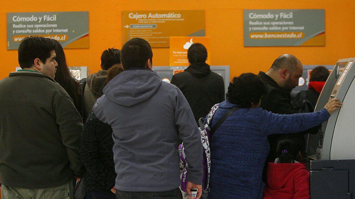 Sesenta cajeros automáticos serán instalados en cuarteles de Carabineros