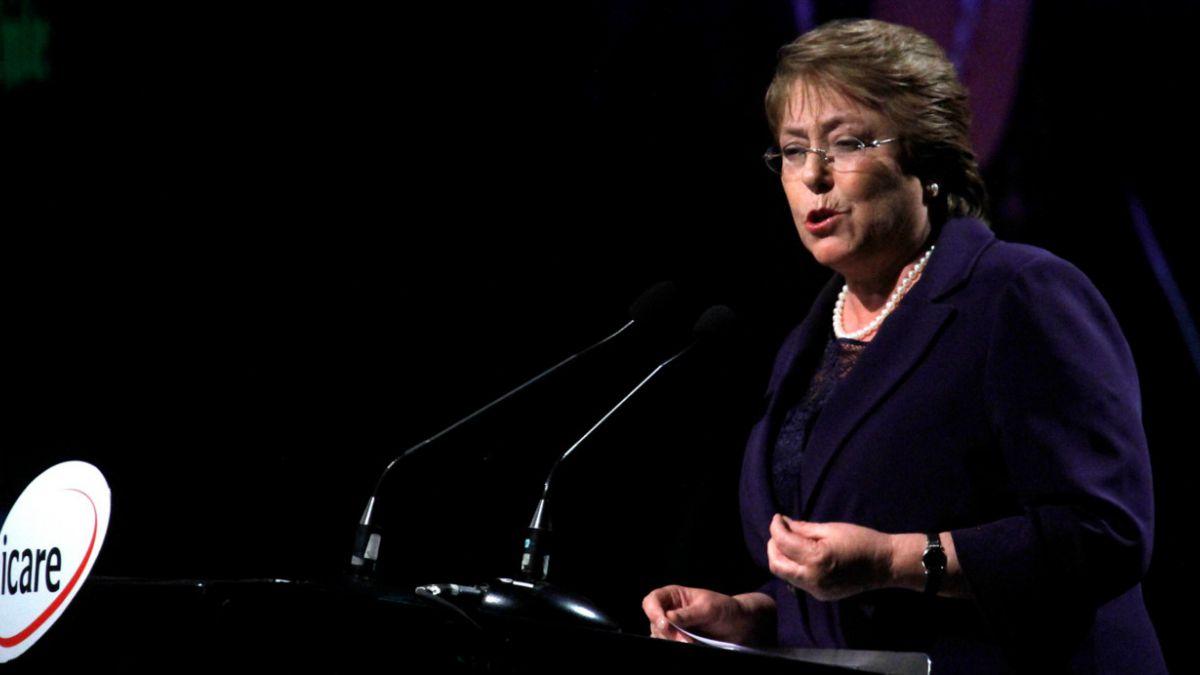Jeffrey Sachs apoya reforma educacional impulsada por Bachelet
