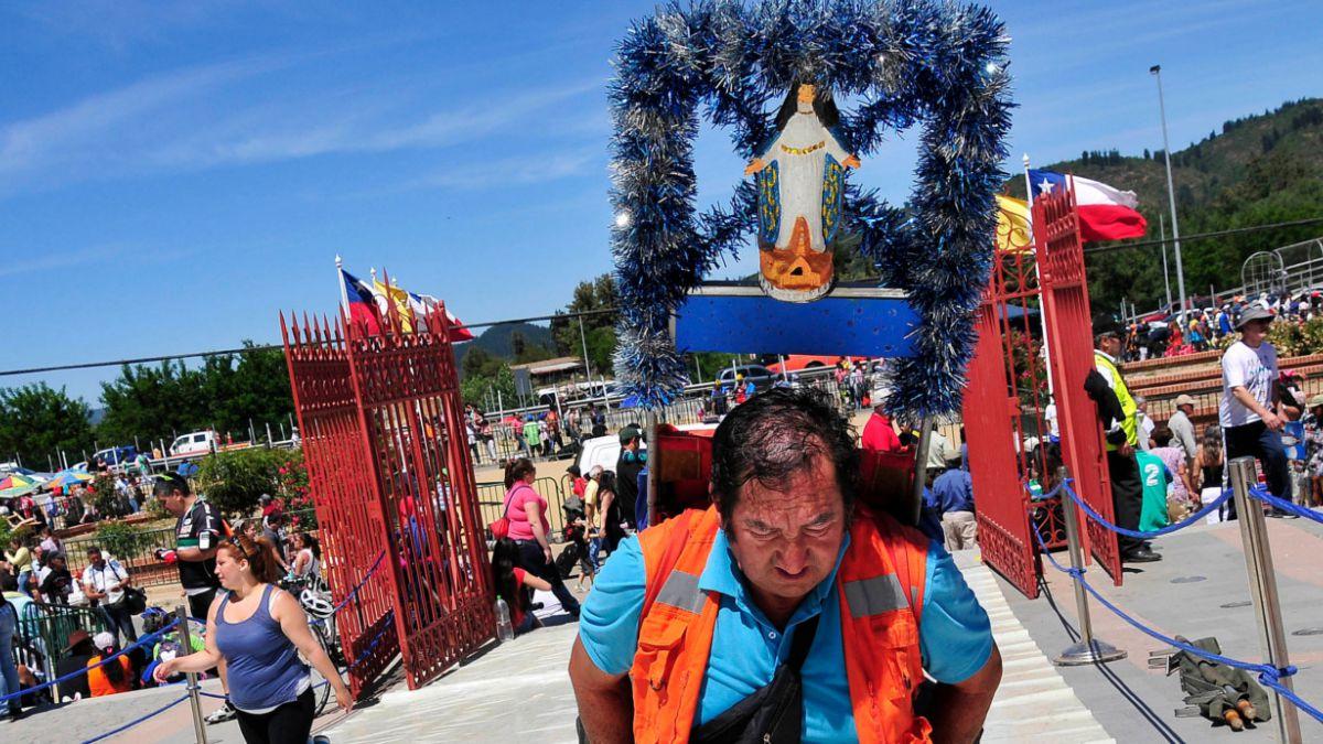 [FOTOS] Miles de personas congrega nueva peregrinación al Santuario de Lo Vásquez