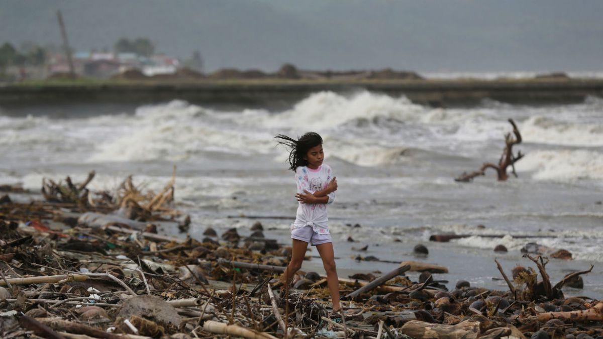 [FOTOS] Las desoladoras imágenes que dejó el tifón en Filipinas