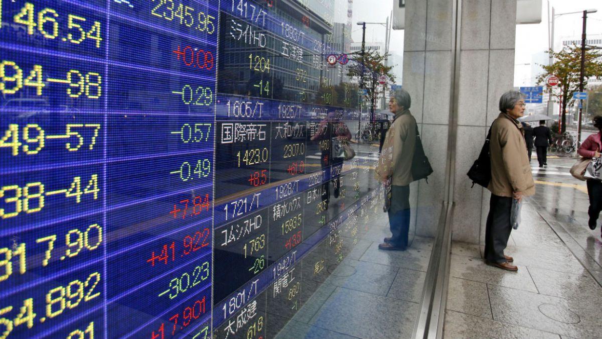 El índice Nikkei de la Bolsa de Tokio cae más del 3% en plena sesión