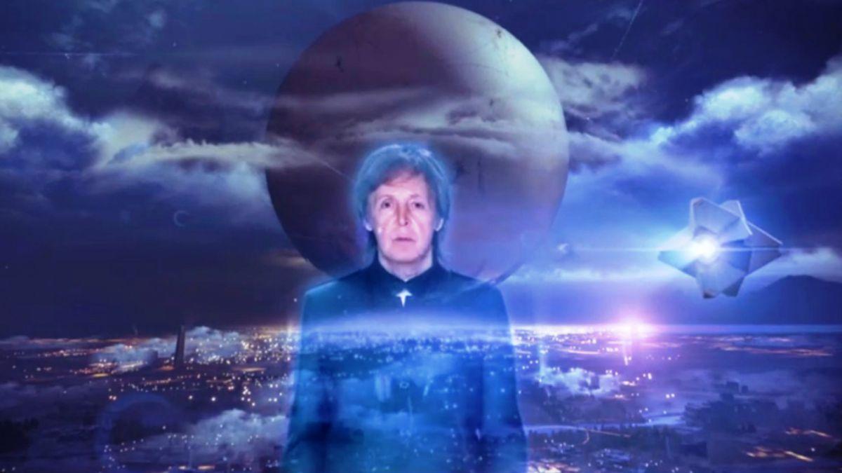 [VIDEO] Paul McCartney sorprende al aparecer como holograma en Destiny