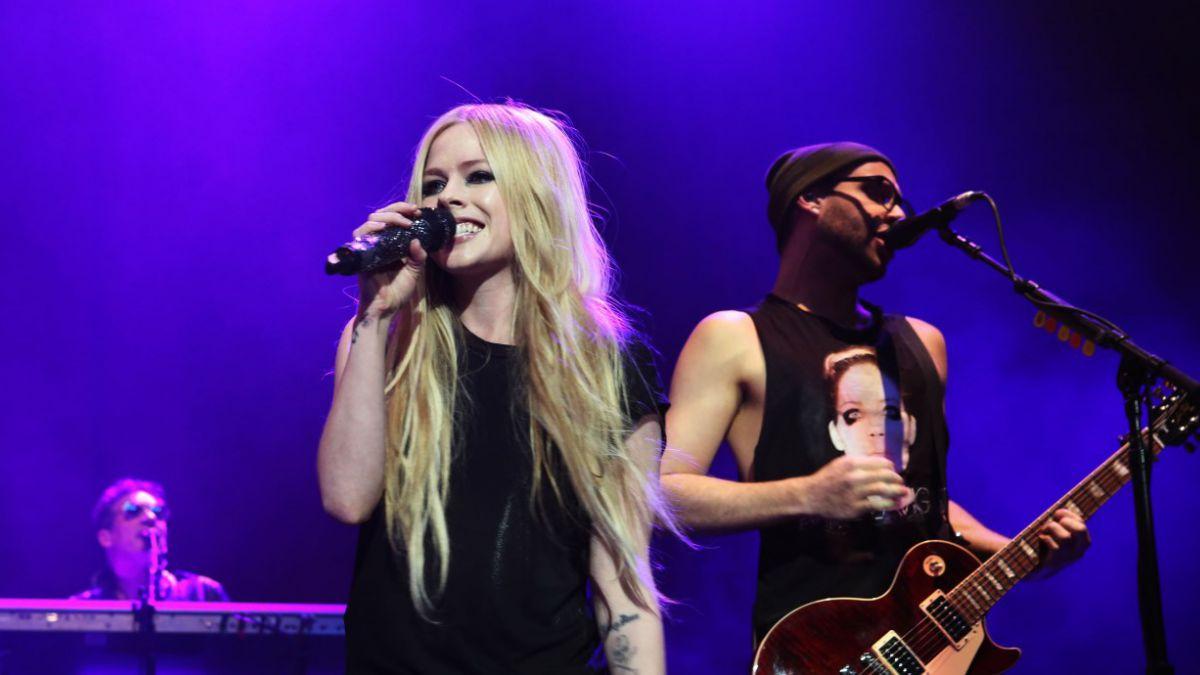 ¿Avril Lavigne en rehabilitación?