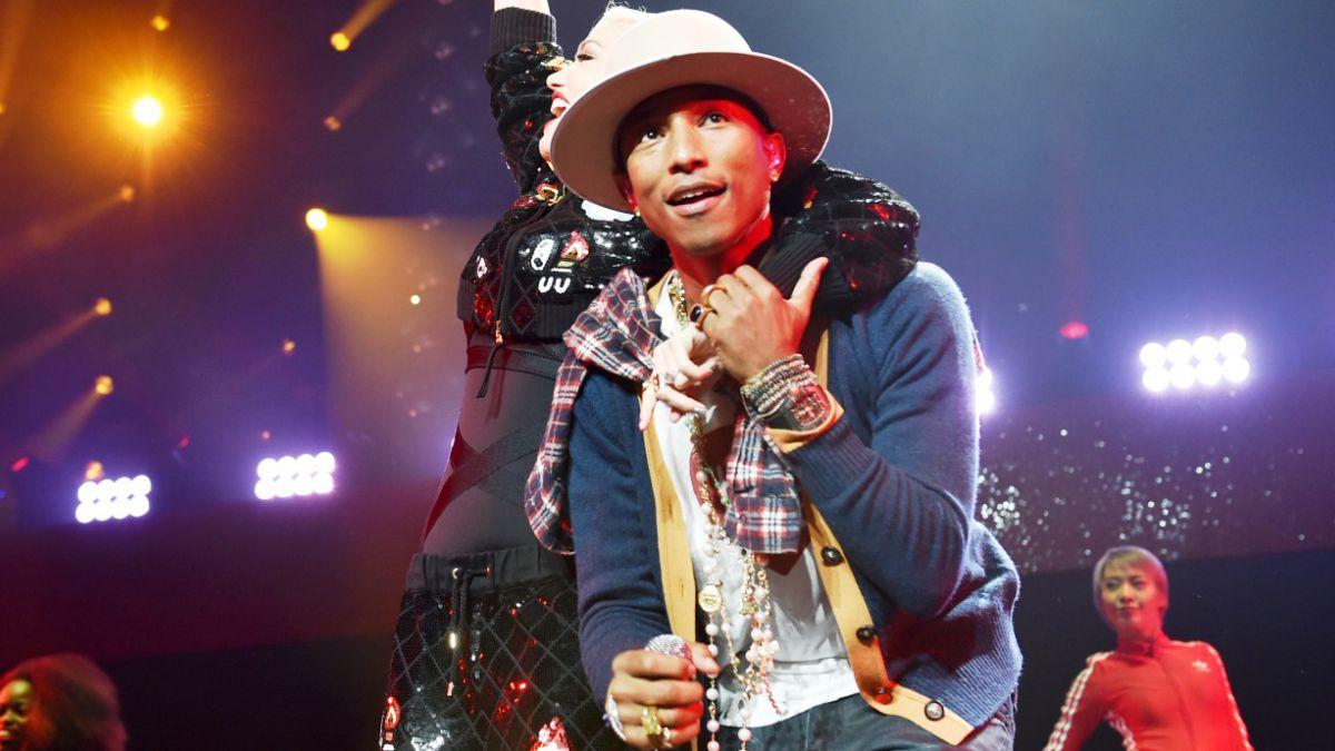 YouTube podría enfrentar millonaria demanda de Pharrell Williams y otros artistas