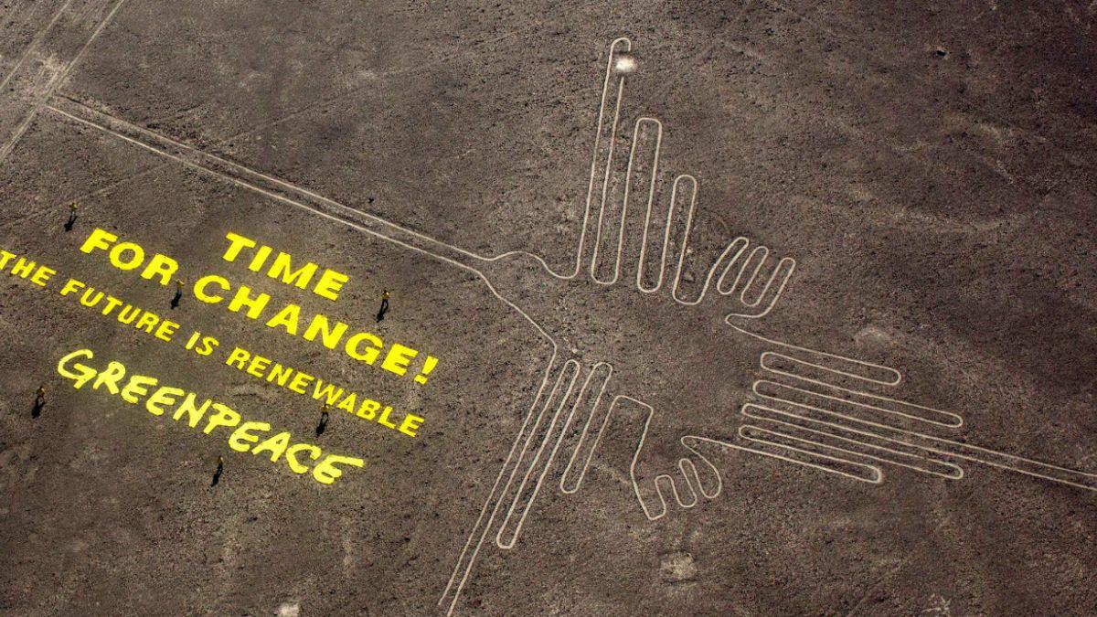 Activistas de Greenpeace arriesgan 8 años de cárcel por dañar líneas de Nazca y grupo se disculpa