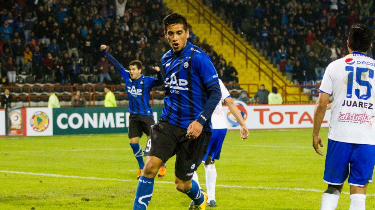 Andrés Vilches estará entre los delanteros de Chile para jugar ante EEUU