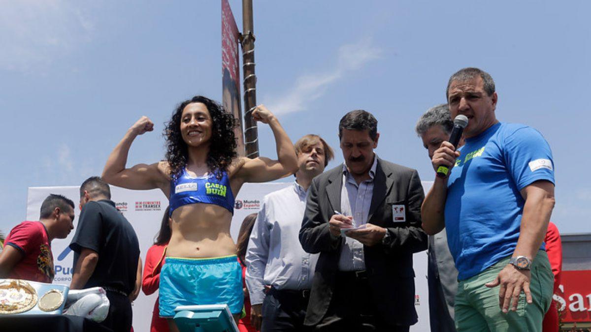 """[FOTOS] """"Crespita"""" Rodríguez se realizó el pesaje oficial para la defensa de su título"""