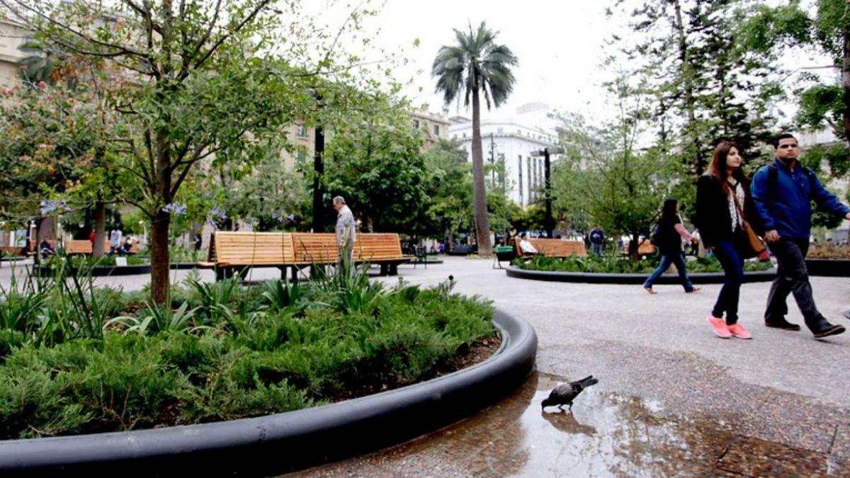 UDI oficia a Metro y Municipalidad de Santiago por nuevo cierre en Plaza de Armas