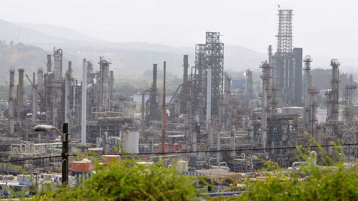 Ganancias de ENAP suben 14% en 2014 y llegan a US$157 millones