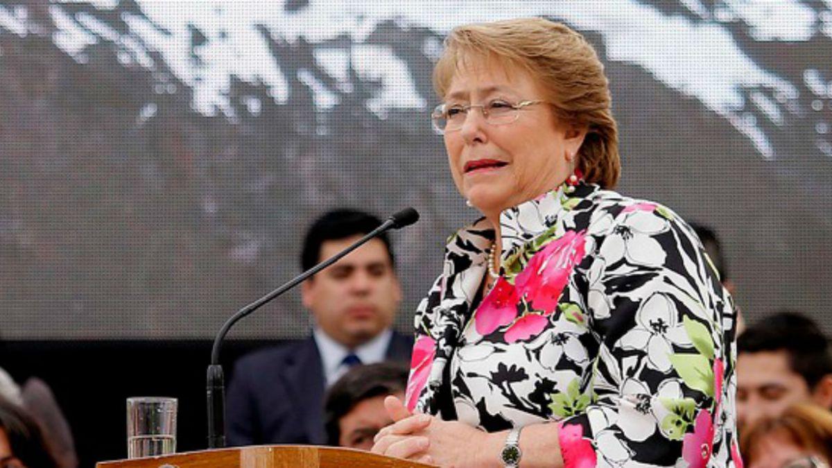 Plaza Pública- Cadem: 63% cree que Bachelet no ha cumplido expectativas en primeros 9 meses