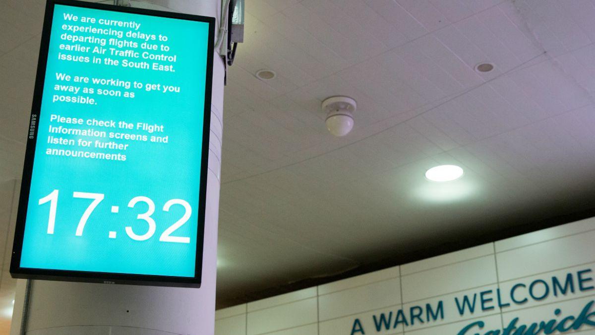 Reparan falla informática que cerró el espacio aéreo de Londres