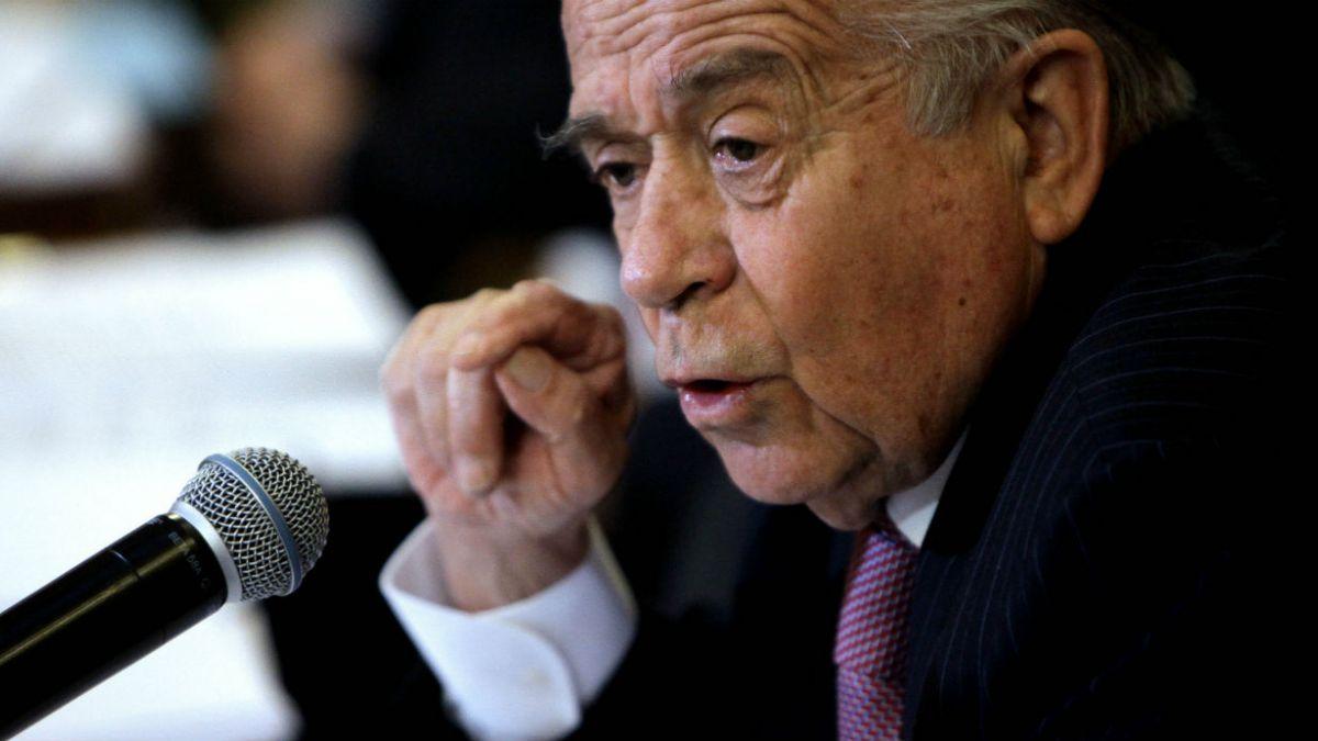 Zaldívar apoya decisión de Gutenberg Martínez de abandonar carrera por presidir la DC