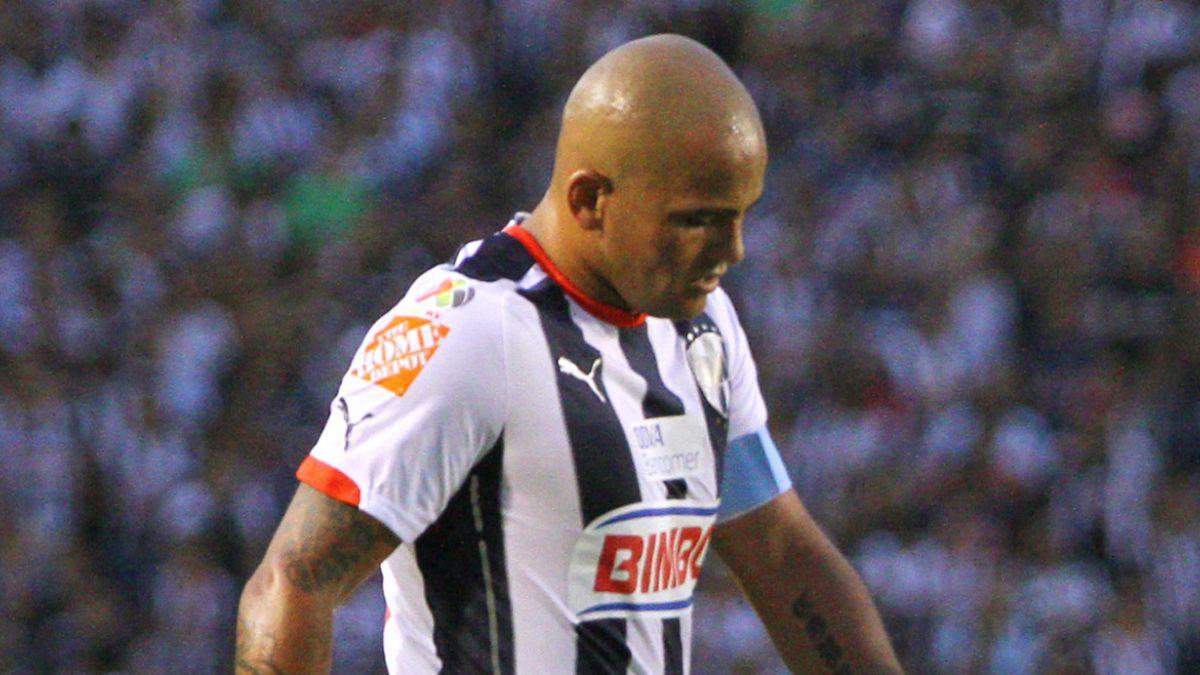 Humberto Suazo y su emotiva despedida con los hinchas del Monterrey