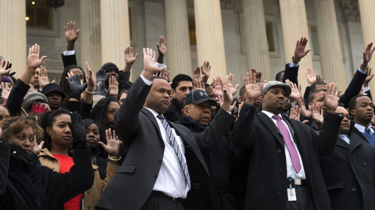 EE.UU.: Defensores de los derechos civiles protestan por muertes a manos de la policía