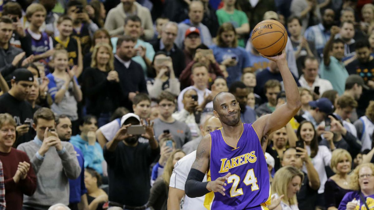 Kobe Bryant desplaza a Jordan al tercer lugar en la tabla de artilleros de la NBA