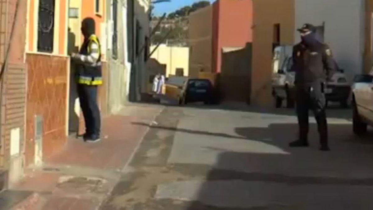 Vecina de chilena detenida en España: Era como si se hubiera convertido en otra persona