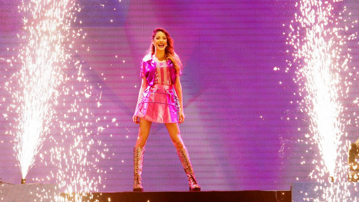 [VIDEO] Violetta regala saludo navideño para sus fans chilenos