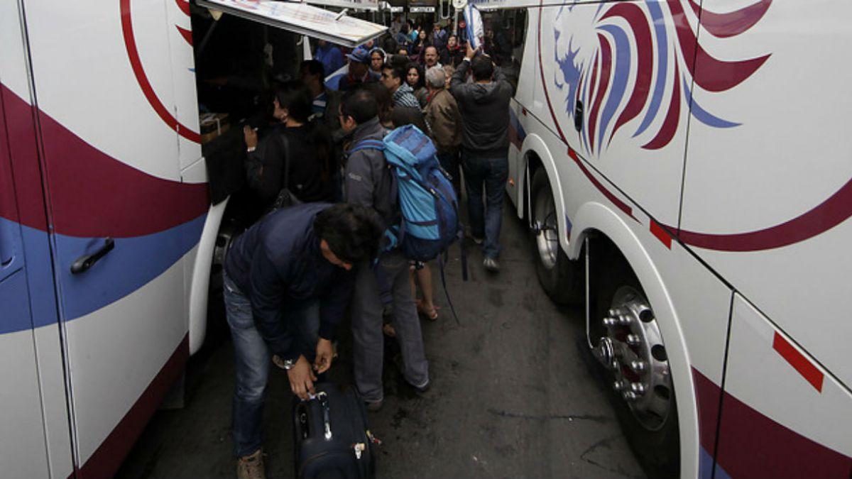 Sernac inicia batalla contra empresas de buses por incumplimiento de condiciones