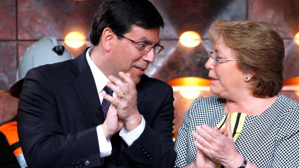 Plaza Pública- Cadem: 48% cree que baja económica es responsabilidad de Arenas