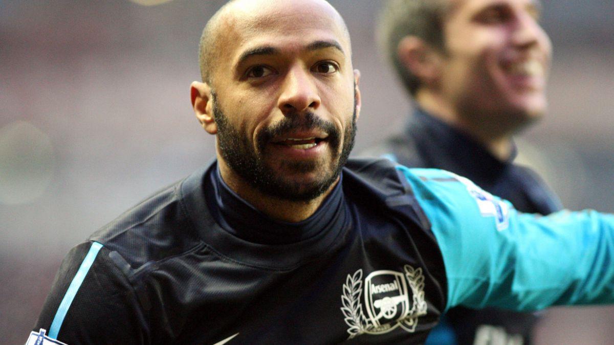 Thierry Henry elogia a Alexis: Puede jugar por cualquier costado y marcar goles