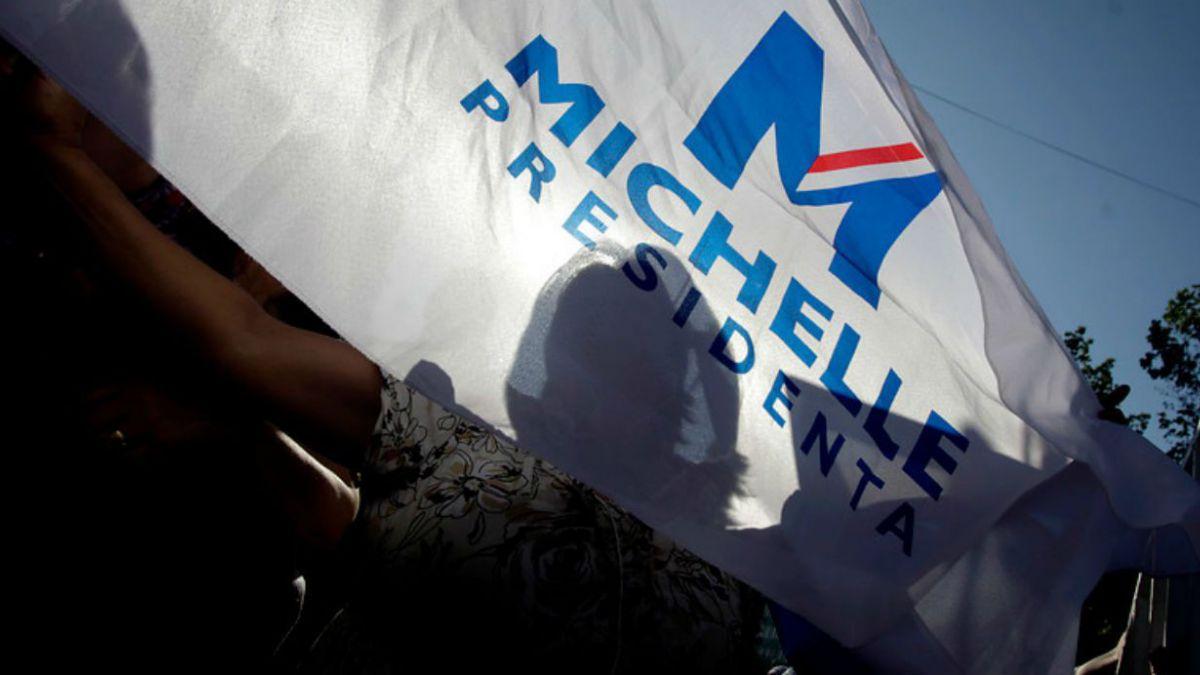 Domicilio denunciado por RN por pagos en campaña de Bachelet corresponde a familiar de publicista