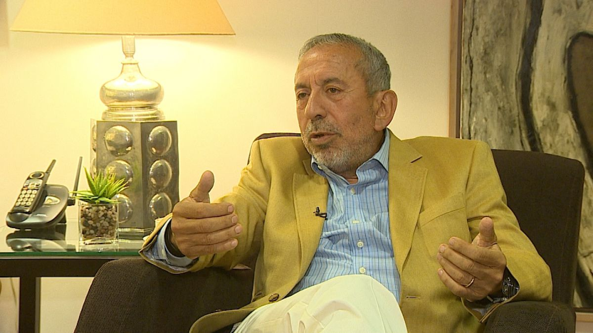 Max Marambio No creo que Fidel tuviera una solución distinta a la que se tomó