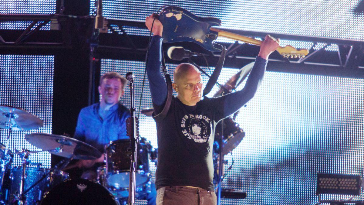 Líder de Smashing Pumpkins dice que la electrónica le está pateando el trasero al rock