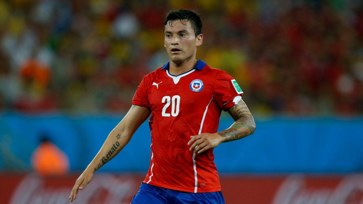 Estudio revela que Charles Aránguiz es el jugador extranjero más valorado de Brasil
