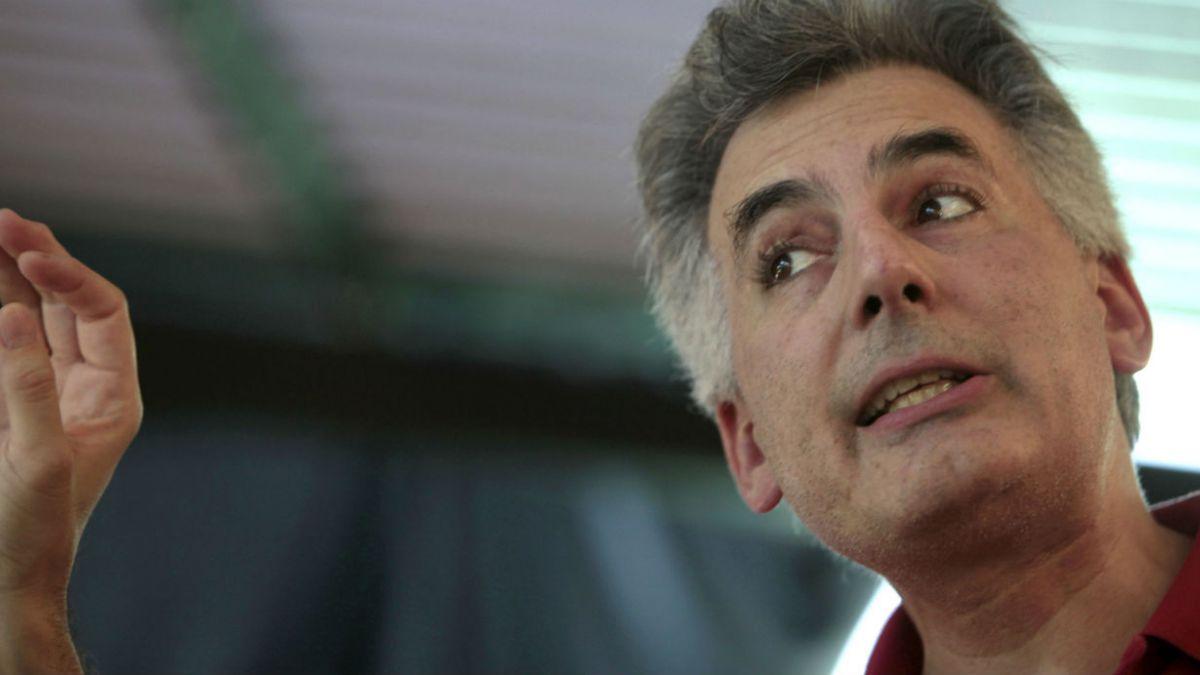 A.Vargas Llosa: La estrategia de Cuba es prepararse para la caída del subsidio venezolano