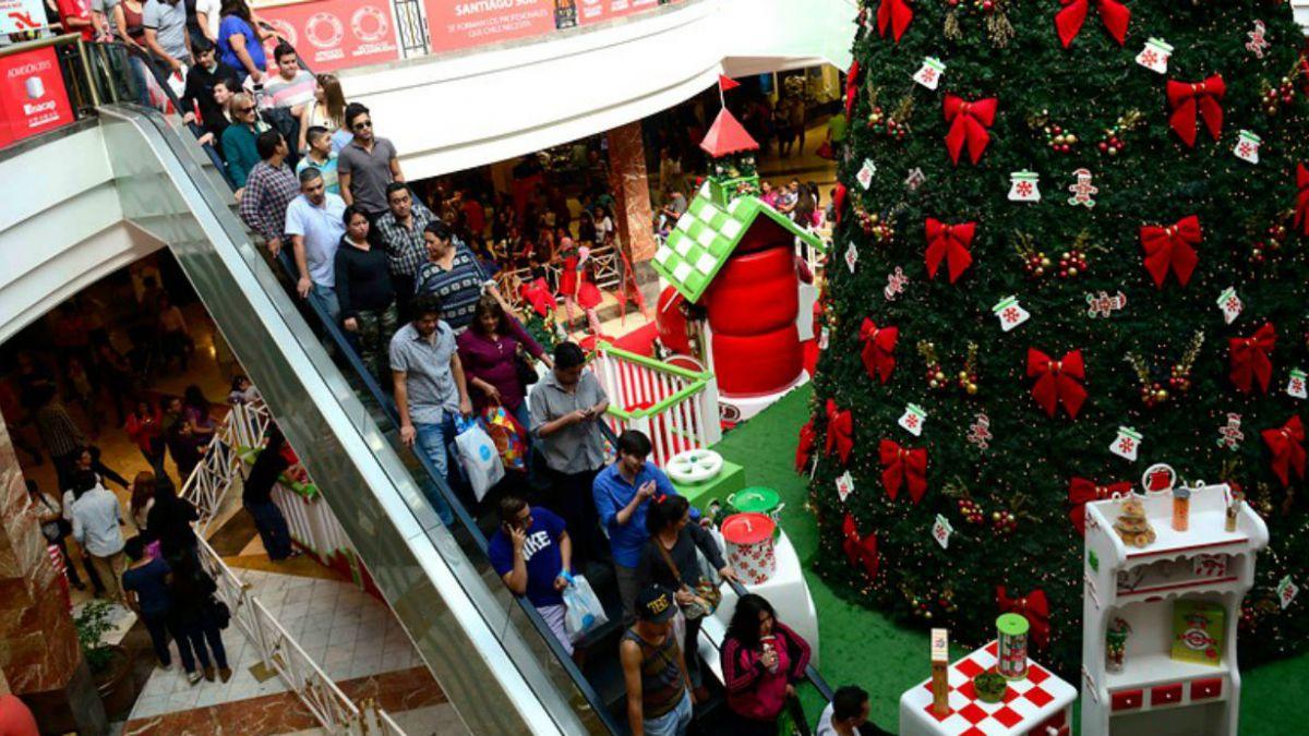 Familias chilenas destinarán $ 160 mil en promedio para gastos de Navidad y Año Nuevo