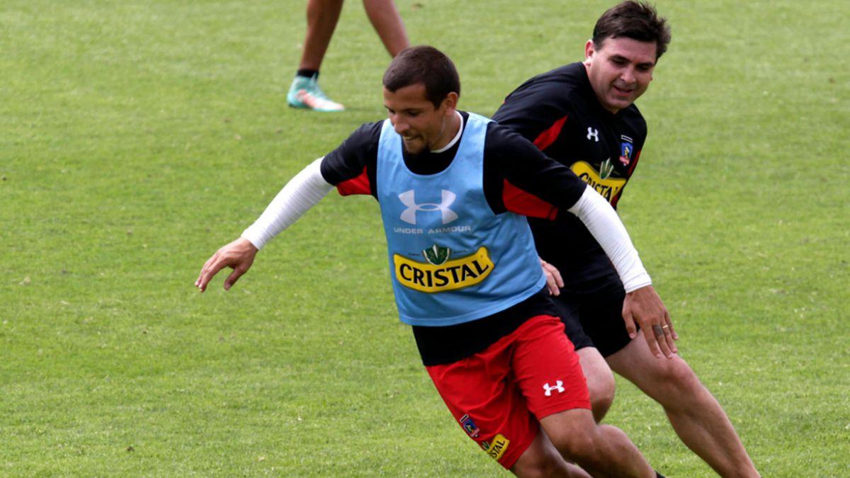 Suazo y Figueroa se someten a evaluaciones físicas en el Estadio Monumental